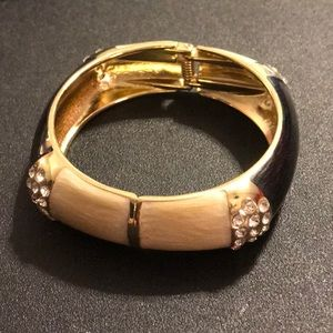 Jewelry - Bangle Bracelet Hinged Cream Black Rhinestone